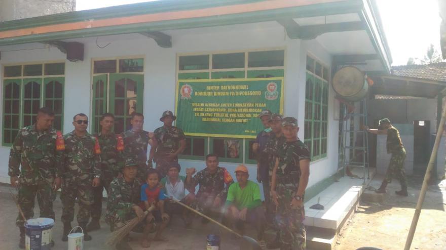 Image : KEGIATAN TNI RINDAM 4 DIPONEGORO DI DESA NGADIPURO APLIKASI PENDIDIKAN BABINSA TA 2019