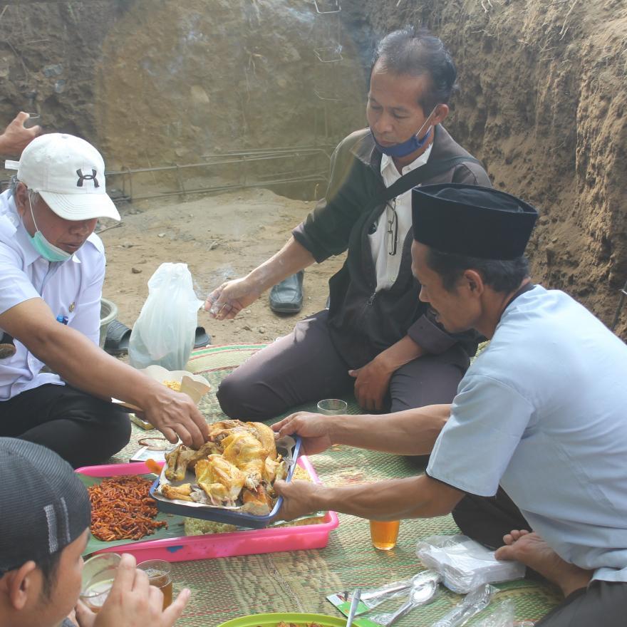 Image : Doa bersama Pembangunan bak penampungan air